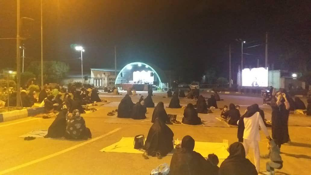 برگزاری پرشور مراسم آخرین شب از شب های مبارک قدر در شهر احمدآباد مستوفی