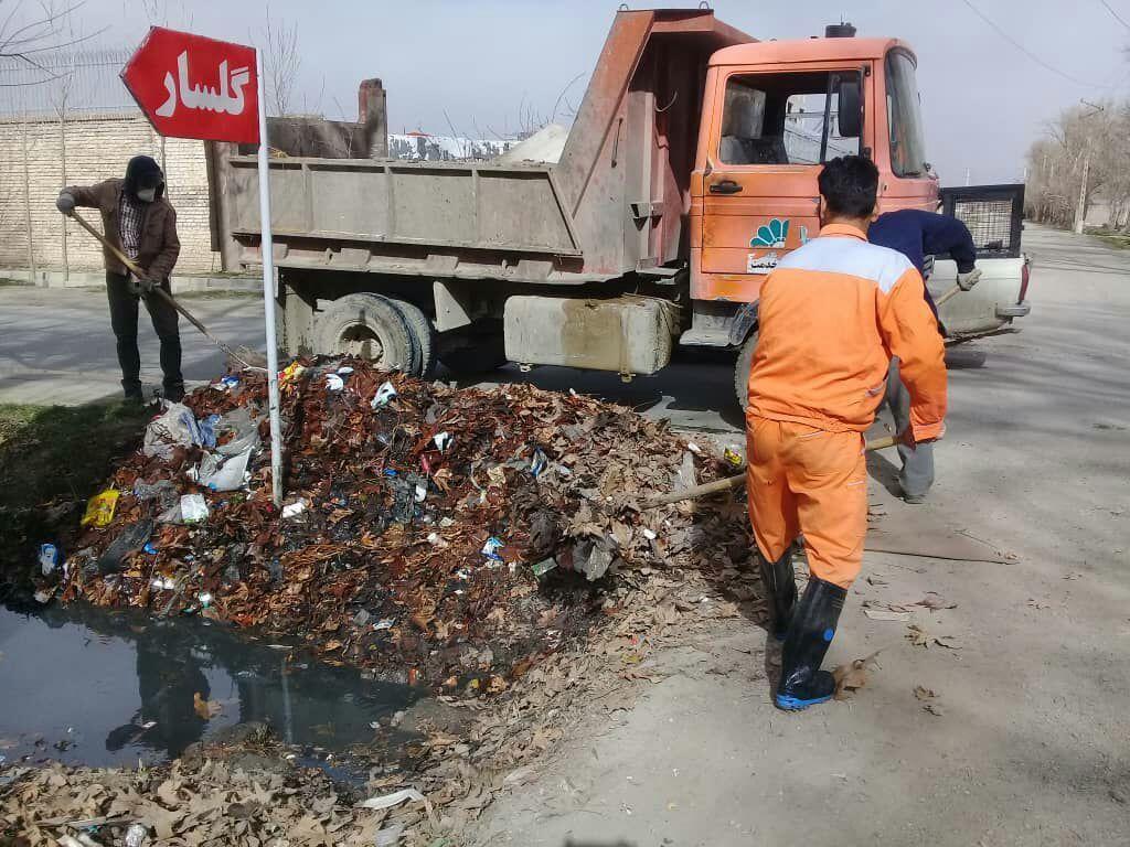 لایروبی و پاکسازی جوی آب خیابان گلشن