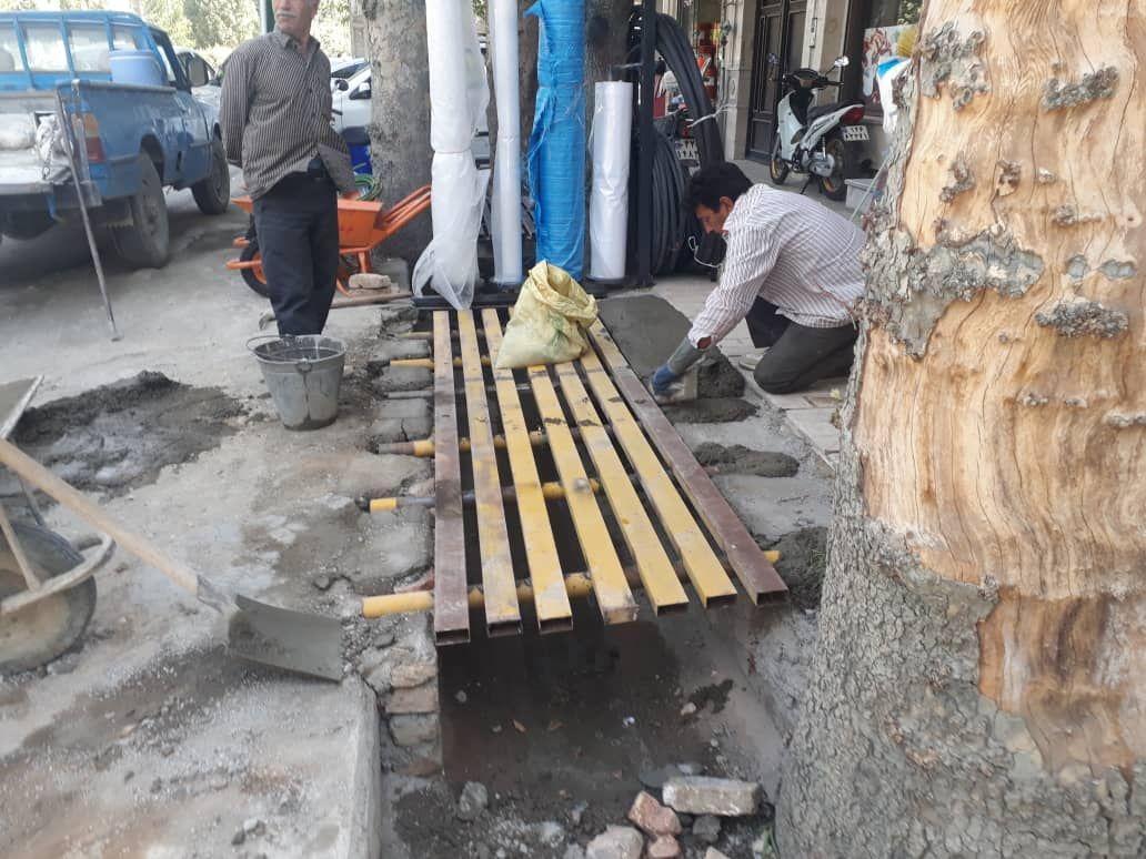 ساخت و نصب یک دستگاه پل فلزی در ابتدای خیابان ولیعصر(عج) شمالی