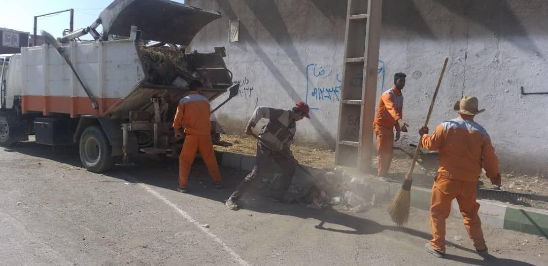 نظافت و علف زنی خیابان 22 بهمن